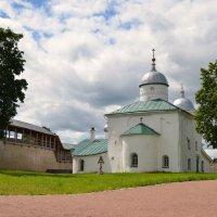 Никольский собор в Изборской крепости :: Ирина Никифорова