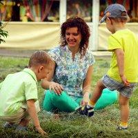 Игры на траве :: Ирина Трифонова