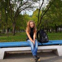 Лавочки и девочки. * :: Николай Елисеев