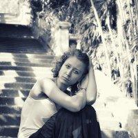 Девушка в парке :: Михаил Вайсман