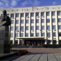 Памятник Королёву в центре Житомира :: Миша Любчик