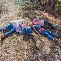 Дети на привале :: Юрий Яловенко