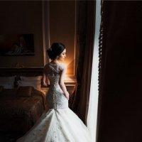 Диана в отеле... :: Батик Табуев