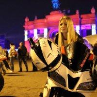 ночная авто-мото-любительница :: Олег Лукьянов