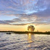 Пока еще виден поплавок :: Валерий Талашов