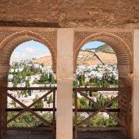 Вид на Гранаду из окон Альхамбры :: Анастасия Богатова