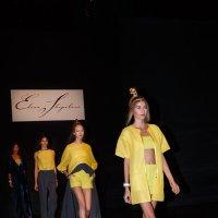 Показ мод в Гостином дворе. Новая коллекция одежды модельера Елены Шипиловой (3) :: Николай Ефремов