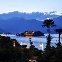 Вечерние огни Стрезы, Италия :: Андрей Крючков