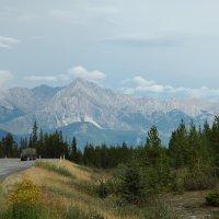 По бескрайним дорогам Канады... Скалистые горы. :: Владимир Смольников