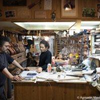 Гитарная мастерская в Барселоне :: Максим Апрятин