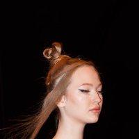 Показ мод в Гостином дворе. Новая коллекция одежды модельера Елены Шипиловой (13) :: Николай Ефремов