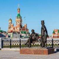 Памятник Пушкину. Набережная в городе Йошкар-Ола. :: Андрей Гриничев