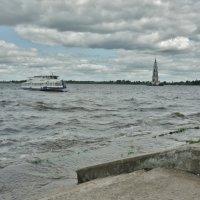 На набережной Калязина :: Svetlana27