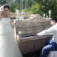 А вы сами попробовали бы сыграть на деревянном фано и не сфальшивить... :: Валерий Рыкунов