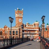 Мост на набережной :: Андрей Гриничев