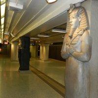 Ст. метро Museum (Музей) в Торонто :: Юрий Поляков