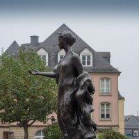 Символ Люксембурга :: Witalij Loewin