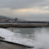 Купание в бушующем октябрьском море :: Marina Timoveewa