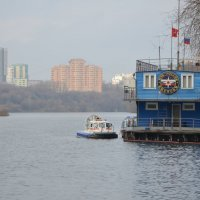 На Москве-реке. :: Oleg4618 Шутченко