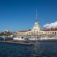 Морской порт Сочи :: Николай Николенко