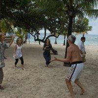 Вот такие движения популярны в Гондурасе!.. :: Владимир Смольников