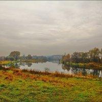 Москва река, октябрь :: Дмитрий Анцыферов