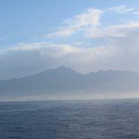 Остров Тенерифе в тумане :: Виктория