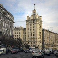 На улице Харькова :: Владимир Кроливец