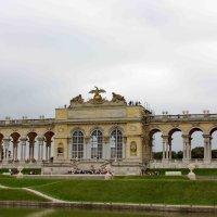 Колоннада верхнего парка :: Gennadiy Karasev