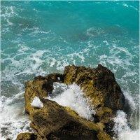 Про дырявый камень в море :: Борис Борисенко