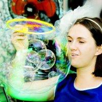 шоу-мыльных пузырей :: Наталья Мерзликина