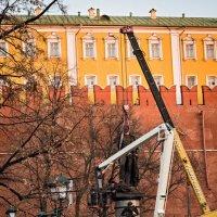 Монтаж памятника Александру I . :: Сергей Басов