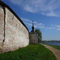 Стена Кирилло-Белозерского монастыря :: Владимир Воробьев
