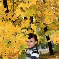 Девушка и осень :: Сергей Касимов