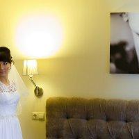 Невеста в интерьере :: Mitya Galiano