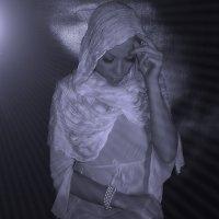Душа что же ты молчишь или ты грустишь потеряв мечту простую...Нить не соединить..не найти слова... :: Елена