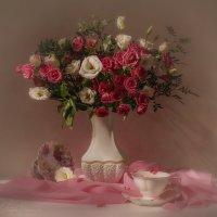 С розами и эустомой :: Светлана Л.