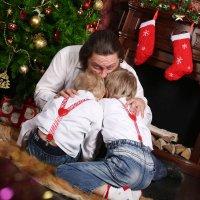 Новый год к нам мчится, Скоро всё случится! :: Марина Щуцких