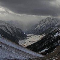 Зима пришла в высокогорье :: Анатолий Стрельченко