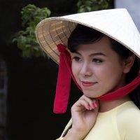 Вьетнамская девушка... :: Cергей Павлович