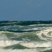 В споре с волнами и ветром :: Leonid Korenfeld