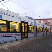Новый московский трамвай. :: Oleg4618 Шутченко