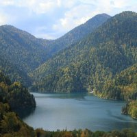 Озеро Рица :: Сергей Галкин