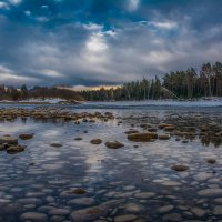 На реке :: Sergey Oslopov