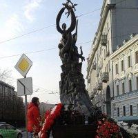 памятник,погибшим при теракте в Беслане.Москва :: Таня К