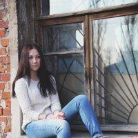 Девица под окном :: Варвара Фроловская