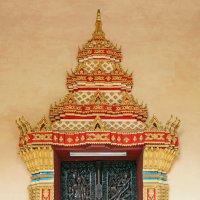 Лаос. Вьентьян. Дверь храма :: Владимир Шибинский