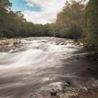 Бурная река :: Mikhail Latukhin