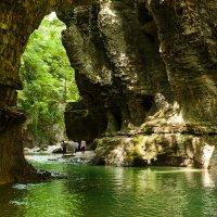 kanyon do Martville :: Roman