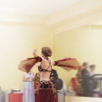 восточный танец :: Эльмира Суворова